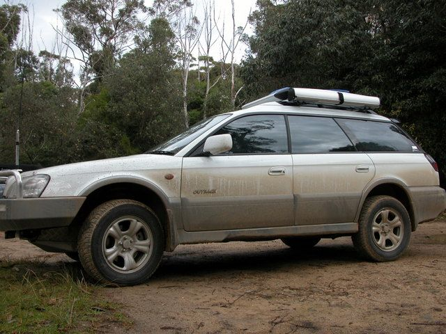 Aussie H6 Lifted Outback Expedition Portal